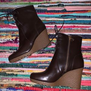 Micheal Kors brown leather boots